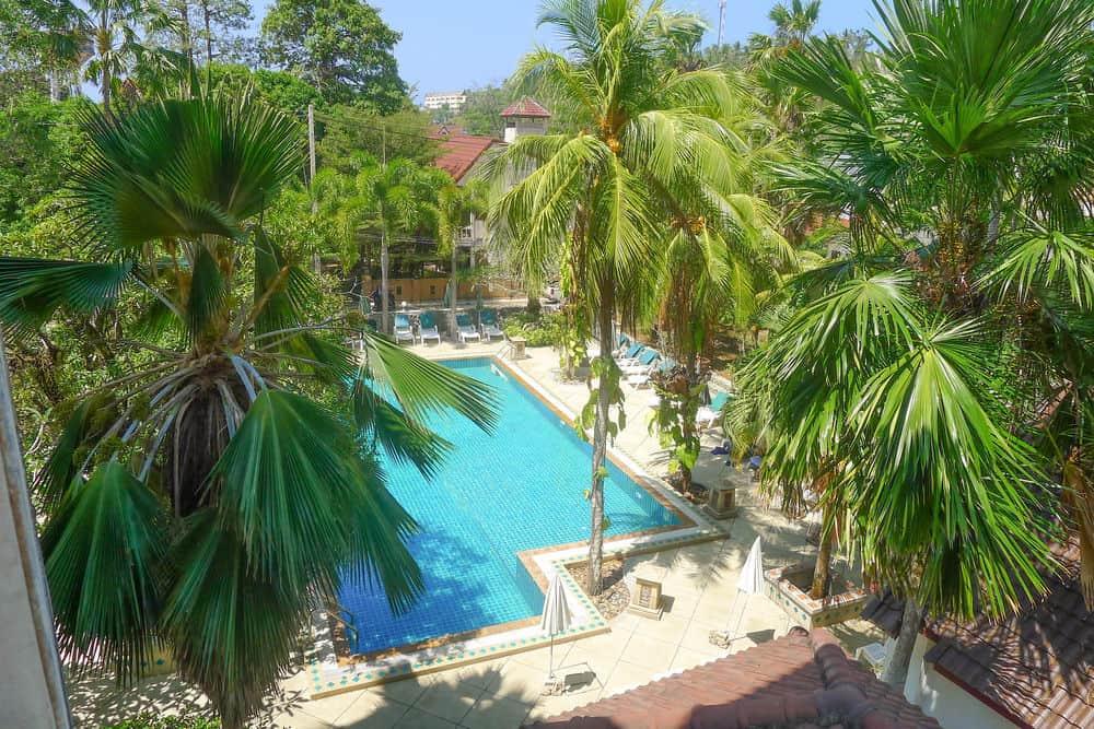 Garden Home Kata. Недорогой отель с собственным бассейном