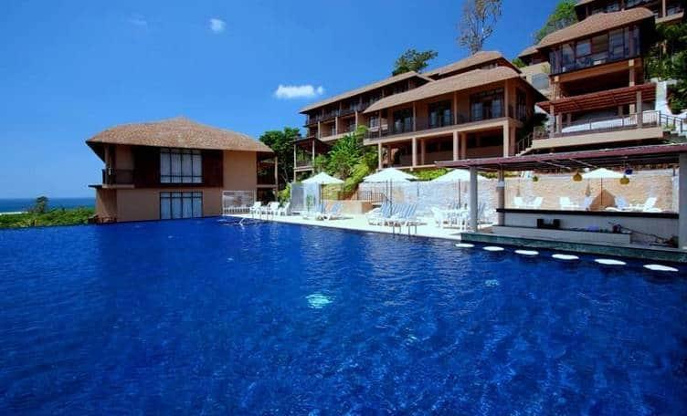 Karon Phunaka Resort. Отель 4 звезды на холме в джунглях