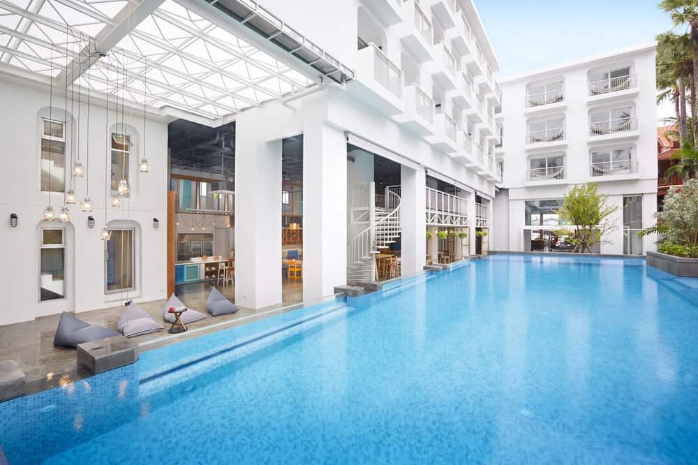 Lub D Phuket. Отель 3 звезды с бассейном в центре Патонга