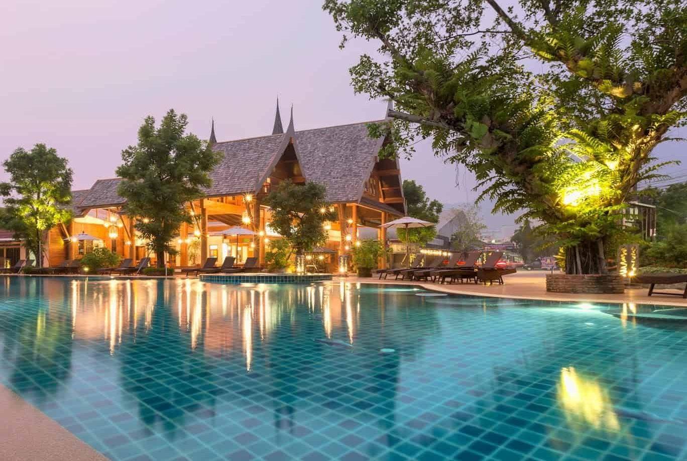 Naina Resort & Spa. Недорогой отель в Патонге 3 звезды с бассейном