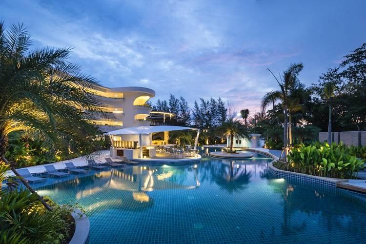 Novotel Phuket Karon Beach. 5 звезд семейный отель с бассейном
