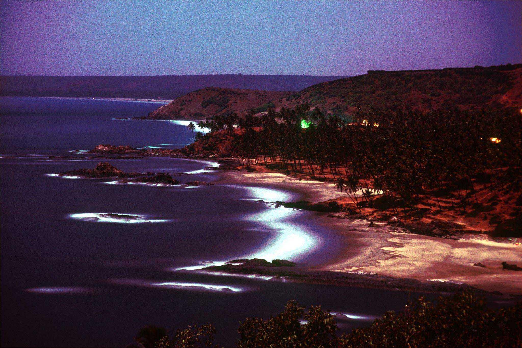 Вагатор в свете полной Луны, Гоа, Индия, 1976 год (Photo by Michel Hilzinger).