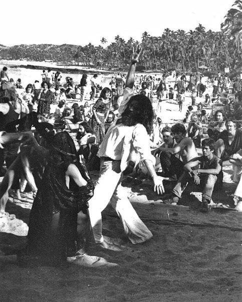 Full moon party, Гоа, Индия. Сезон 1979-80 (Photo by Pam Frayer).