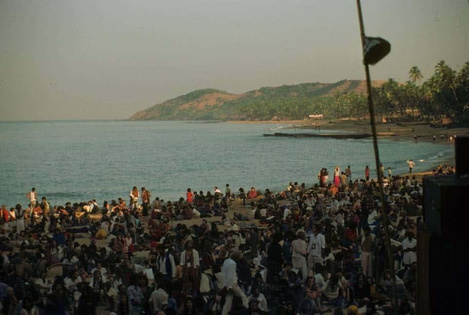 Рассвет на Full Moon party. Anjuna, Goa, India. 1979 год. (Photo by Jacques Lastry).