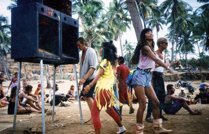 Пати в Вагаторе, Гоа, Индия. Сезон 1987-88.