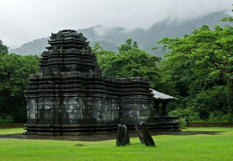 Tambdi Surla Temple (Храм Махадевы)