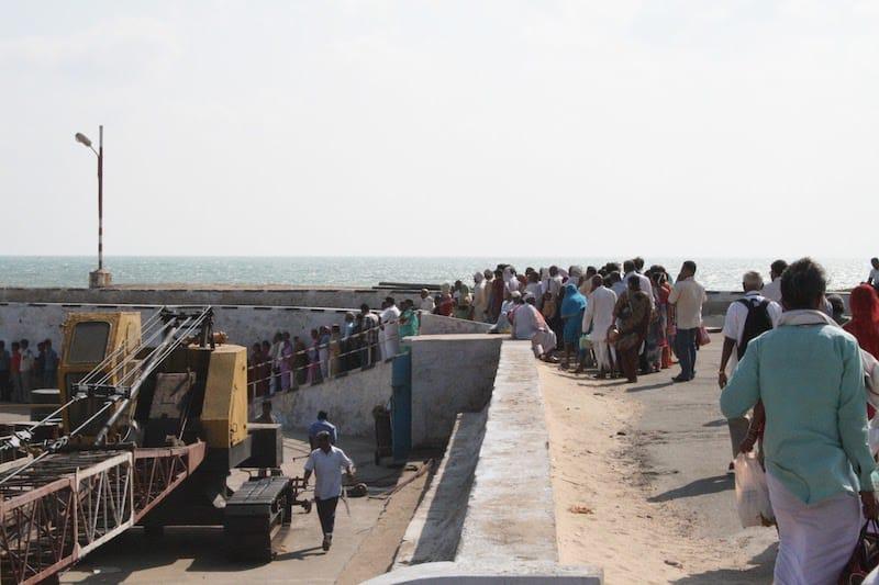 Паром от Каньякумари до мемориала Вивекананды