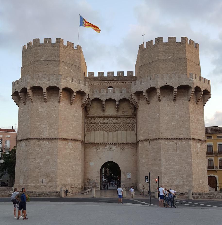 Башни (ворота) Серранос - Torres de Serranos