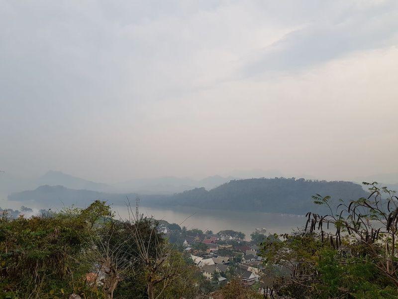 Вид с горы Пхуси на Меконг. Луангпхабанг, Лаос.