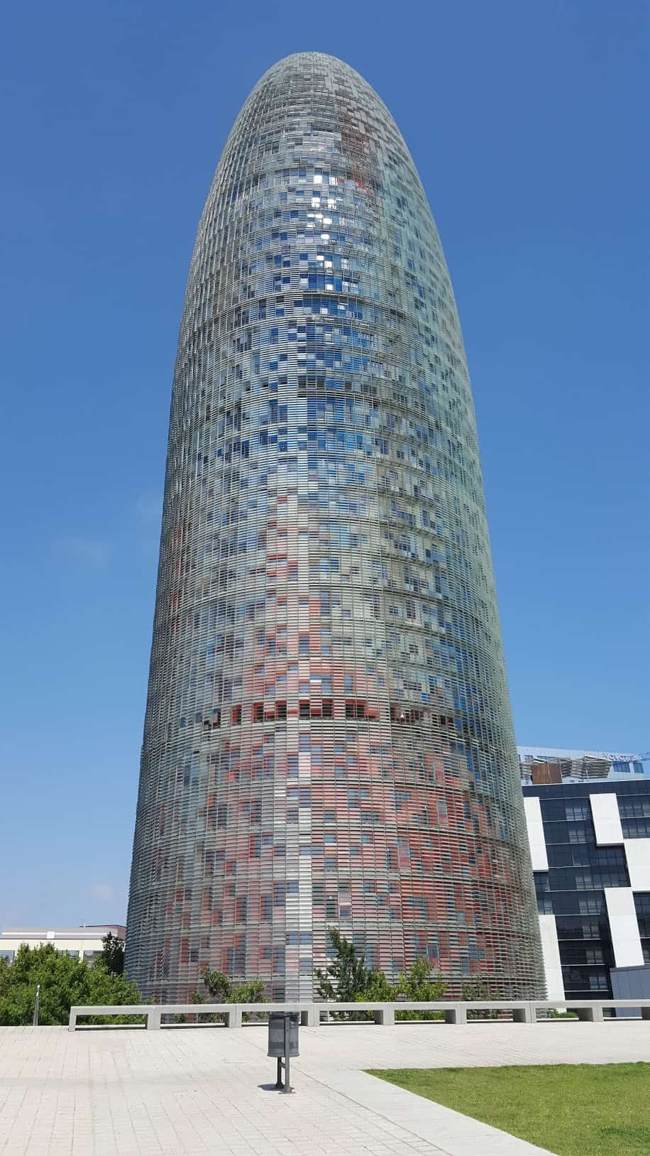 Башня Агбар - Agbar Tower - достопримечательности Барселоны