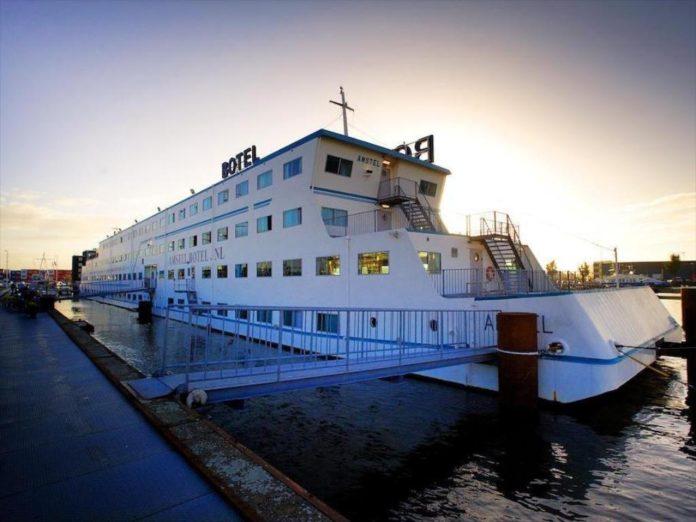 Botel - уникальный отель на воде в Амстердаме
