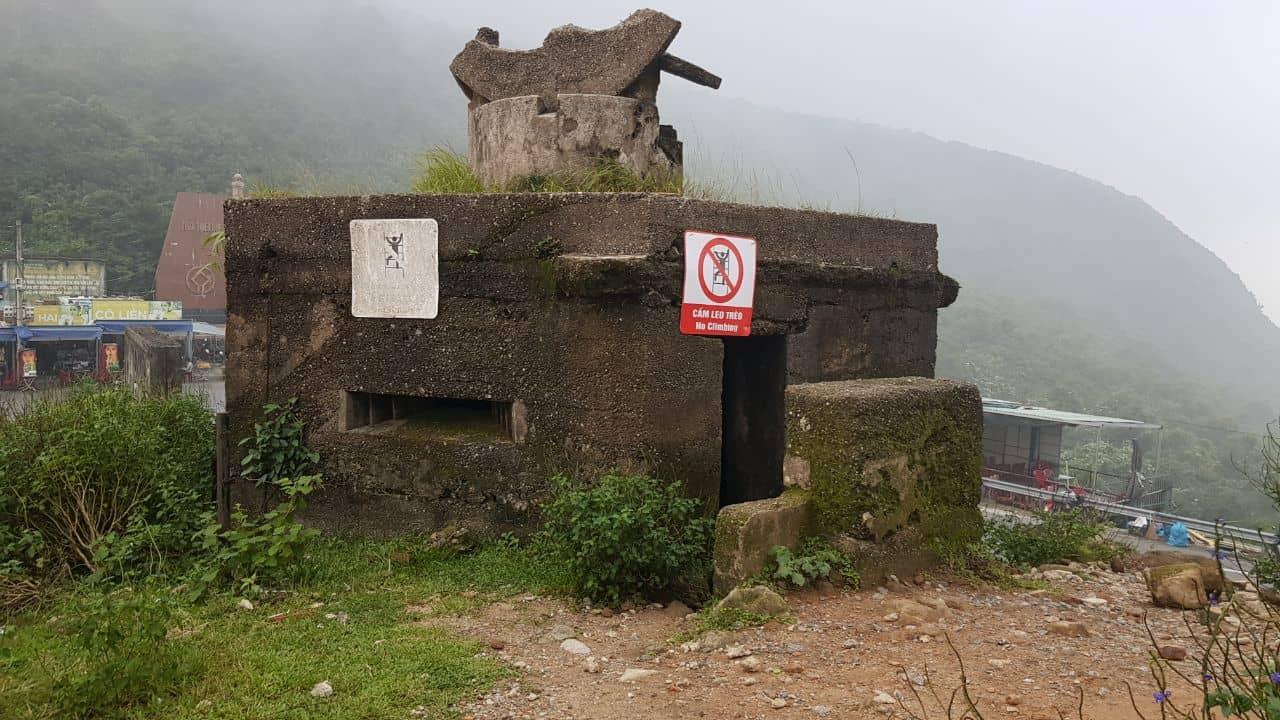 Военное укрепление с бойницами на перевале Хай Ван в Дананге