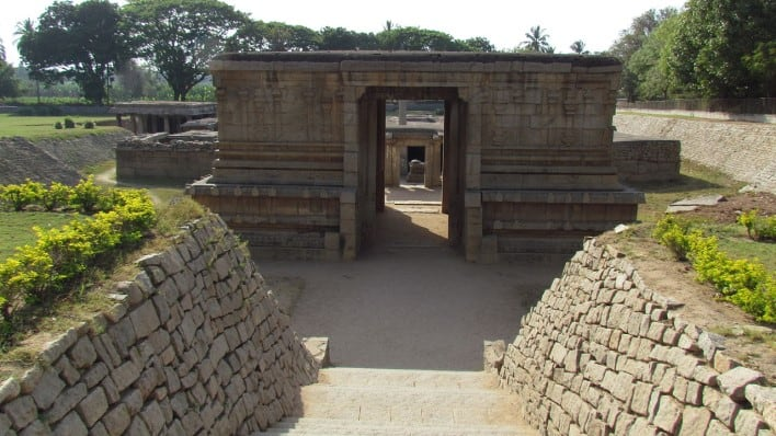 Подземный храм Шивы - Prasanna Virupaksha