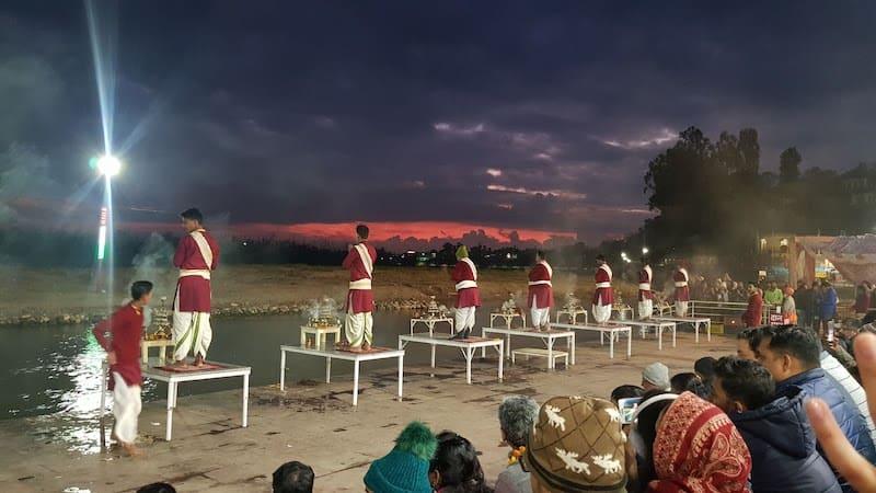 Ганга Аарти на Тривени Гхат в Ришикеше